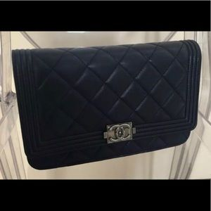 Authentic Chanel Caviar Navy WOC